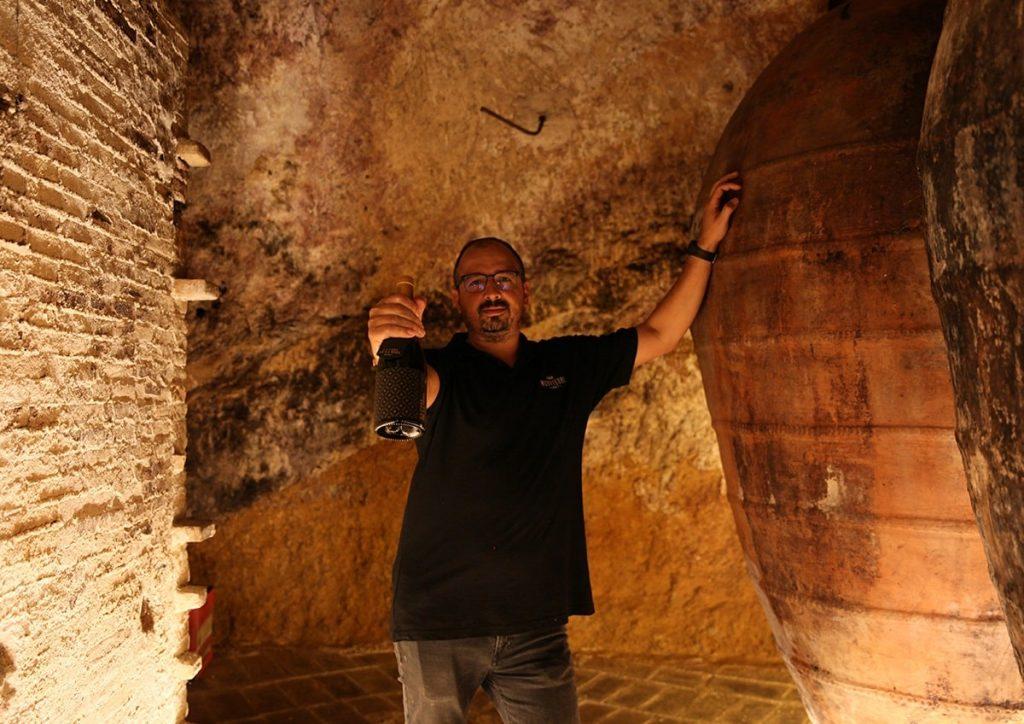 Disfrutando de nuestro vino icono, La Casa de la Seda, con lo que nos cuenta nuestro director técnico Juan José Muñoz
